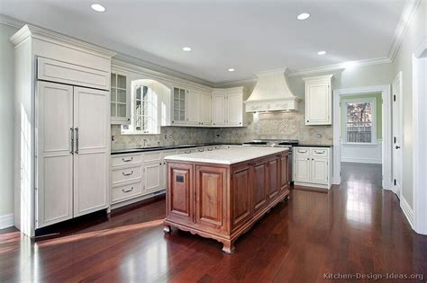 pictures of small kitchen islands 17 best images about kitchens of the day on 7487