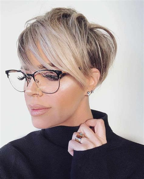 Short haircuts for women 2019: Trends and Tendencies