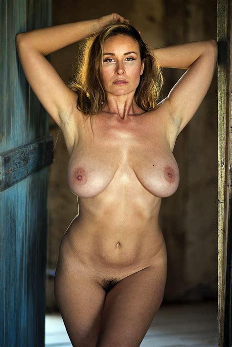 Stunning Nude Milf Chadstem