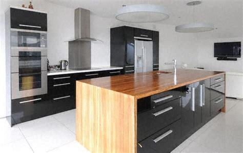 cuisine moderne bois clair moderne ilot de cuisine clair bois plan travail en pictures