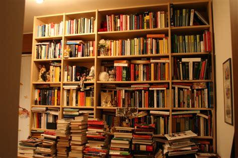 Libreria A Napoli by Napoli La Sfida Dei Cittadini Per La Prima Libreria Popolare