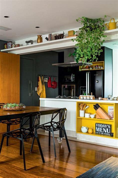 comment peindre les murs d une cuisine repeindre une table de cuisine en bois repeindre une
