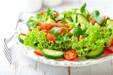 Keeping Salads Crisp | ThriftyFun