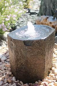 Naturstein Im Garten : wasserspiel brunnen naturstein quellstein basalt ~ A.2002-acura-tl-radio.info Haus und Dekorationen