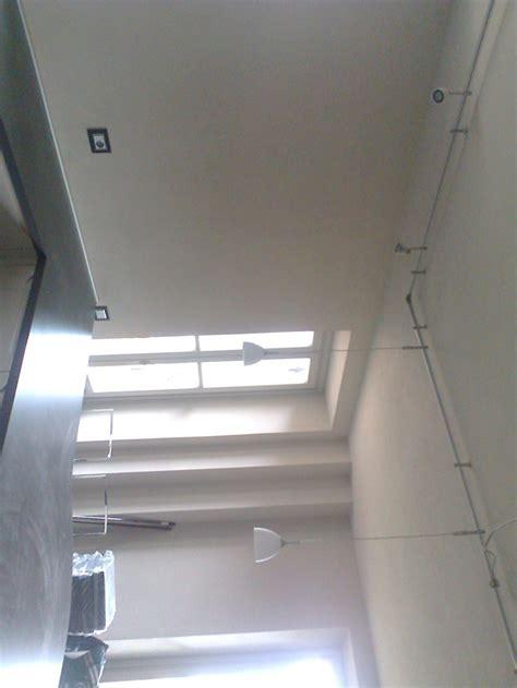 illuminazione binario faretto illuminazione a binario con soffitto led e the