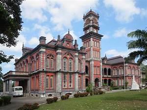 Queen's Royal College | Facing Queen's Park Savannah West ...