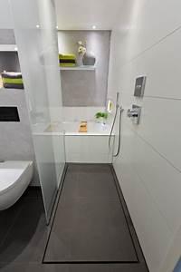 Badezimmer Ideen Für Kleine Bäder : ideen f r kleine b der die dusche als durchgang modern badezimmer k ln von baqua ~ Indierocktalk.com Haus und Dekorationen