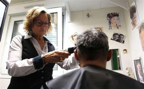 chambre des metiers bayonne précarité à bayonne la coiffeuse tient salon au point