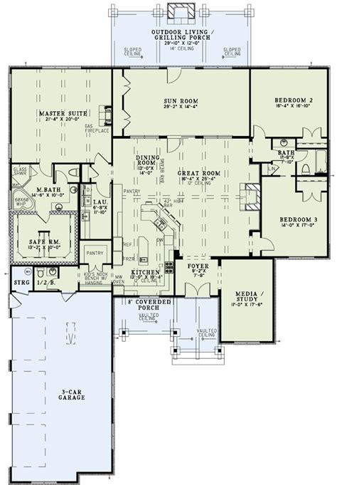 open living floor plans house plan 82229 at familyhomeplans com
