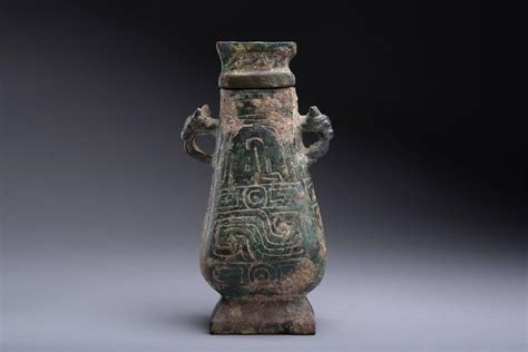 ancient chinese western zhou bronze vessel  bc