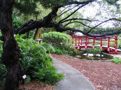 thinking of a botantical garden wedding partyspace