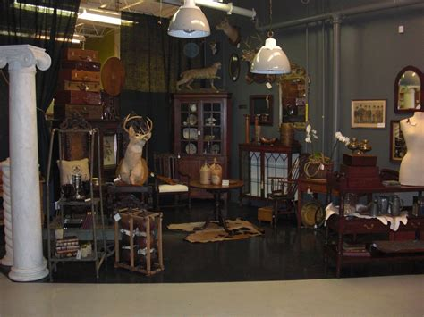 30+ Awesome Antique Booth Display Ideas