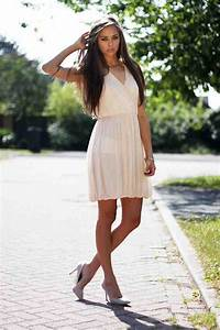 Summer wedding guest dresses wedding and bridal inspiration for Dress for wedding guest summer
