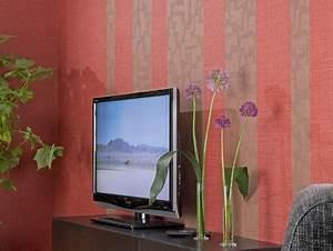 Tapeten Mit Streifen : kreative wandgestaltung mit tapeten selber machen heimwerkermagazin ~ Frokenaadalensverden.com Haus und Dekorationen