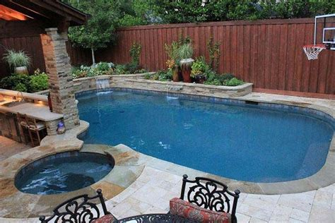 Small Backyard Pool Ideas - 25 fabulous small backyard designs with swimming pool