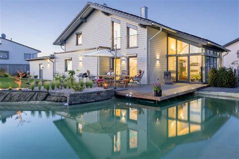 Große Fensterflächen Für Viel Tageslicht Im Traumhaus