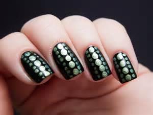 Reptilian dot nail art chalkboard nails