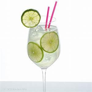 Kitchen Riffs: The Gin Rickey Cocktail