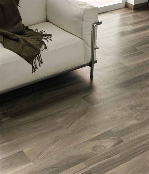 tiles that look like wooden floors porcelain tile that looks like wood reasons to choose porcelain wood tile over hardwood floors
