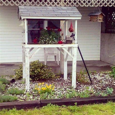 bird feeding station crafts pinterest