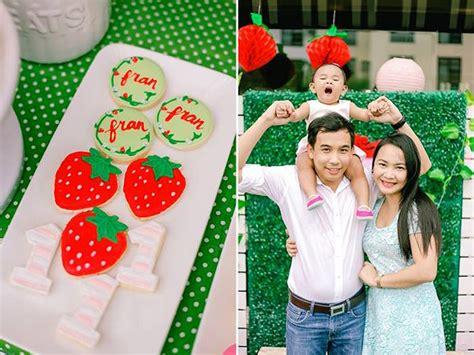 kara 39 s party ideas strawberry 1st birthday party kara 39 s kara 39 s party ideas cookies birthday girl with
