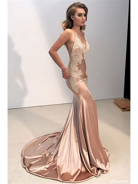 Charming Mermaid V Neck Backless Blush Long Prom Dresses