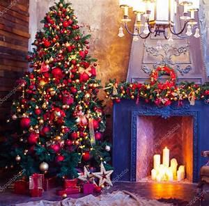 Weihnachtsbaum Geschmückt Modern : weihnachten raum innenarchitektur weihnachtsbaum geschm ckt durch lichter pr stockfoto ~ A.2002-acura-tl-radio.info Haus und Dekorationen