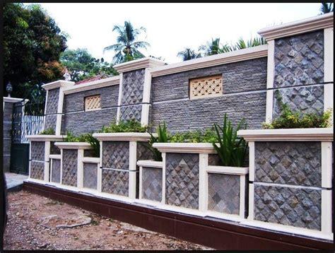 contoh pagar tembok rumah  tinggi   rumah