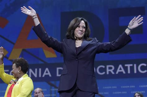 harris challenges axelrod  criticism shes