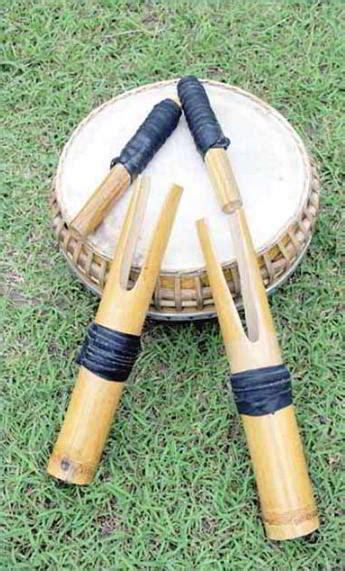 Alat musik ini berasal dari sumatera selatan. 16 Alat Musik Tradisional dari Sulawesi Utara - Tarjopedia