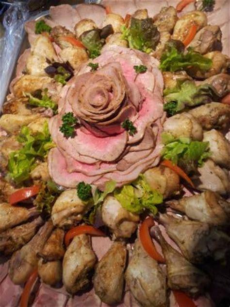 plat de viande froide pour un buffet picture of