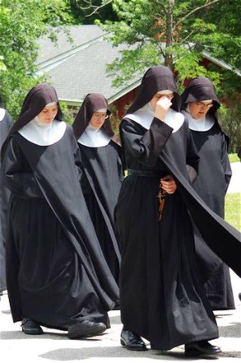 war  feminism   catholic church