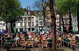 Maastricht Shopping öffnungszeiten : holland weekend breaks marvellous maastricht is more than a treaty daily mail online ~ Eleganceandgraceweddings.com Haus und Dekorationen