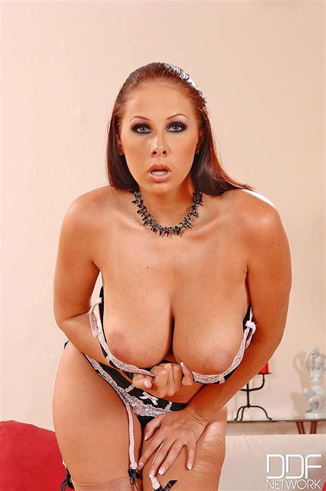 Gianna Michaels Dangles Huge Boobs From Black Bra