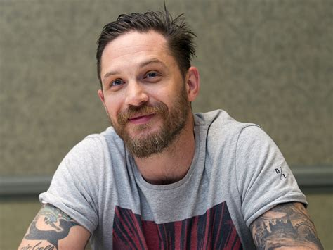 cuisines hardy tom hardy accuses lgbt reporter who asked about his