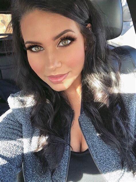 hot girls  dark hair barnorama