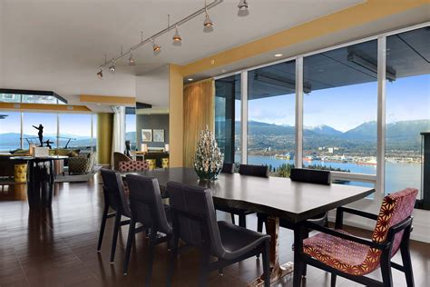Beautiful Apartment With Amazing Views In Vancouver, Canada