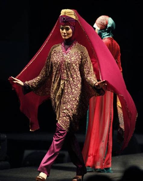 muslim dress fashion show  jakarta