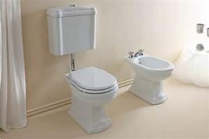 Wc Und Bidet : wc mit niedrigem niveau zisterne sitzbezug und bidet ~ Lizthompson.info Haus und Dekorationen