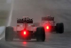 What Does The Red Light On The Back Of A Formula 1 Car