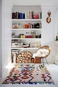Tapis Boheme Chic : inspiration deco boheme chic fauteuil rotin tapis boucherouite h ll blogzine ~ Teatrodelosmanantiales.com Idées de Décoration