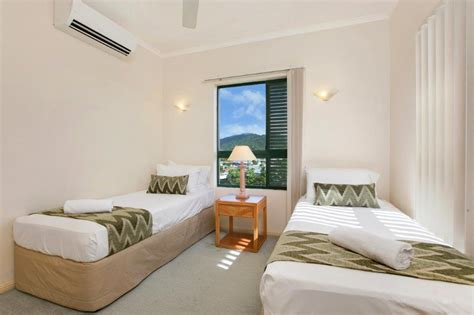 2 Bedroom Apartment Cairns by Cairns Apartments Tropic Towers Apartments Cairns