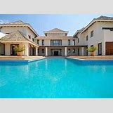 Huge House With Pool | 500 x 372 jpeg 28kB