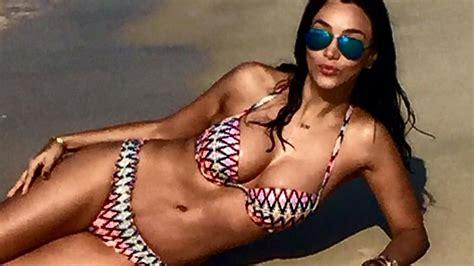 Heiße Strandnixe: So sexy relaxt Verona Pooth (47) im Sand | Promiflash.de