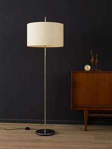 Stehlampe Retro Design : die besten 25 stehlampe retro ideen auf pinterest retro stehlampen midcentury stehlampen und ~ Sanjose-hotels-ca.com Haus und Dekorationen