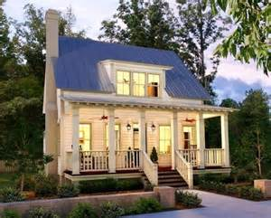 Stunning Small Farmhouse Plans With Porches Photos by 389 Best Images About Farmhouse Homes On