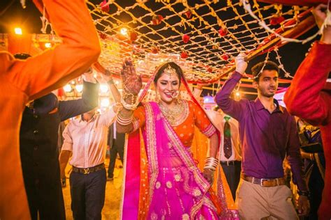 Candid Wedding Pics-indian Wedding Pictures-best