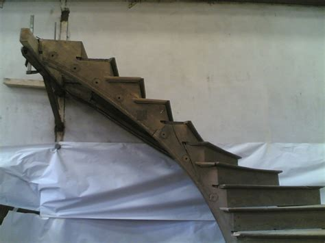 troc echange exeptionnel escalier helicoidal en chene sur troc