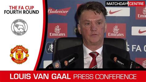 Derby County vs Manchester United : Louis Van Gaal Press ...