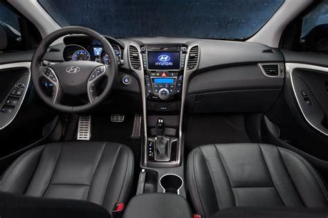 vehicle review hyundai elantra   autosca